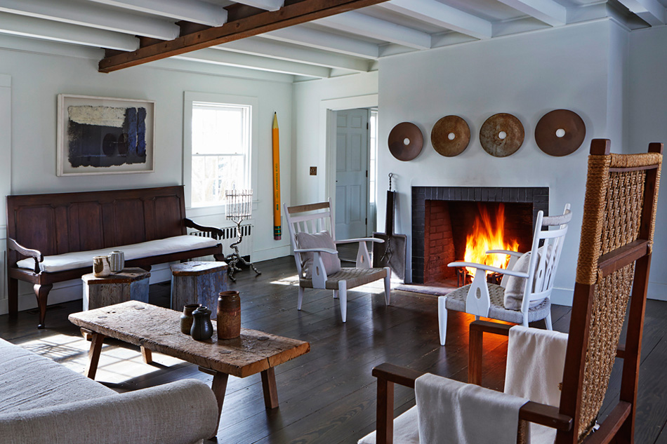 James Huniford has created a unique and thoroughly modern sitting room in his Bridgehampton home by combining antiques, found objects and contemporary art. Photo by Anastassios Mentis