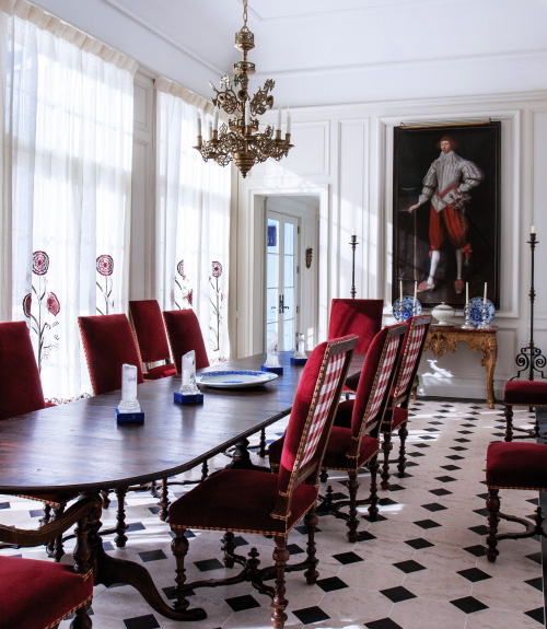 Couturier's Connecticut dining room
