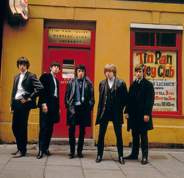 The Rolling Stones line up outside the Tin Pan Alley Club in London, 1963. From left to right, Mick Jagger, Keith Richards, Bill Wyman, Brian Jones (1942 - 1969) and Charlie Watts. (Photo by Terry O'Neill/Hulton Archive/Getty Images)