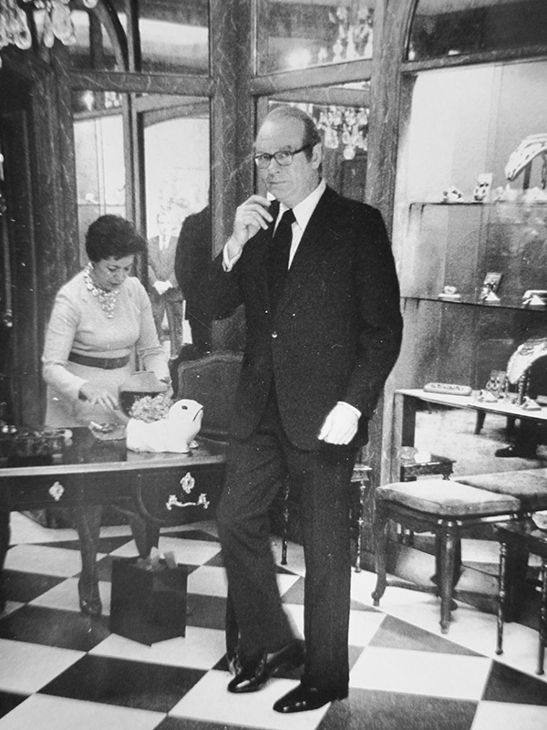 Webb in his 57th Street showroom in 1975, not long before his death. Courtesy Women's Wear Daily © Condé Nast