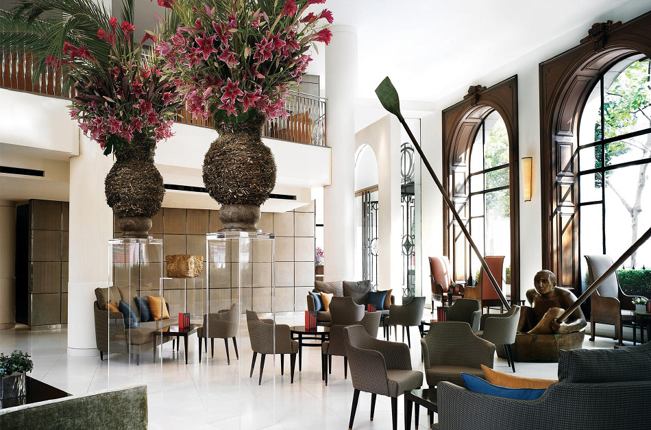 Fox Linton's design for the Lobby Bar of London's One Aldwych, a property that defined the aesthetic of the boutique hotel boom when it opened in 1998, features a sculpture by André Wallace.