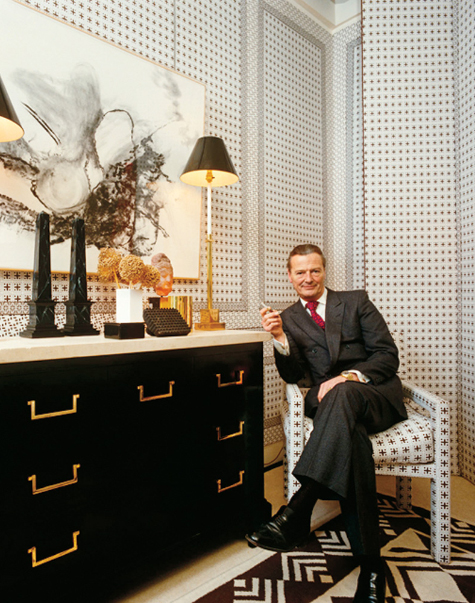 David Hicks smoking in chair