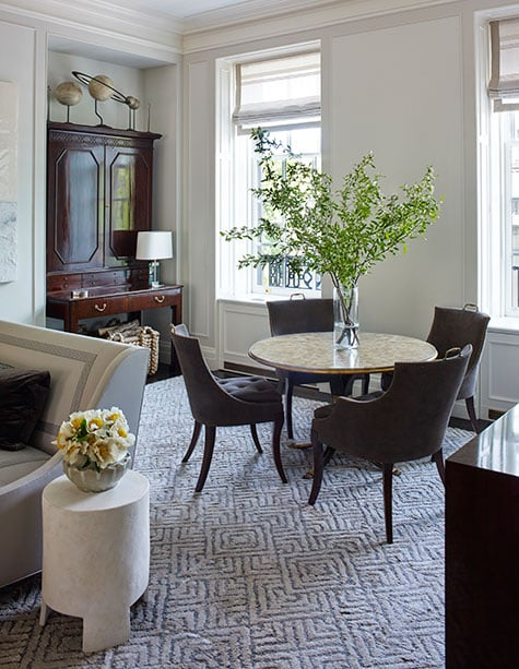 A small eating area in the Kleinberg designed living room