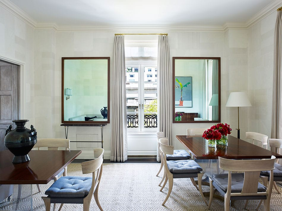 A cool tone dining room by David Kleinberg