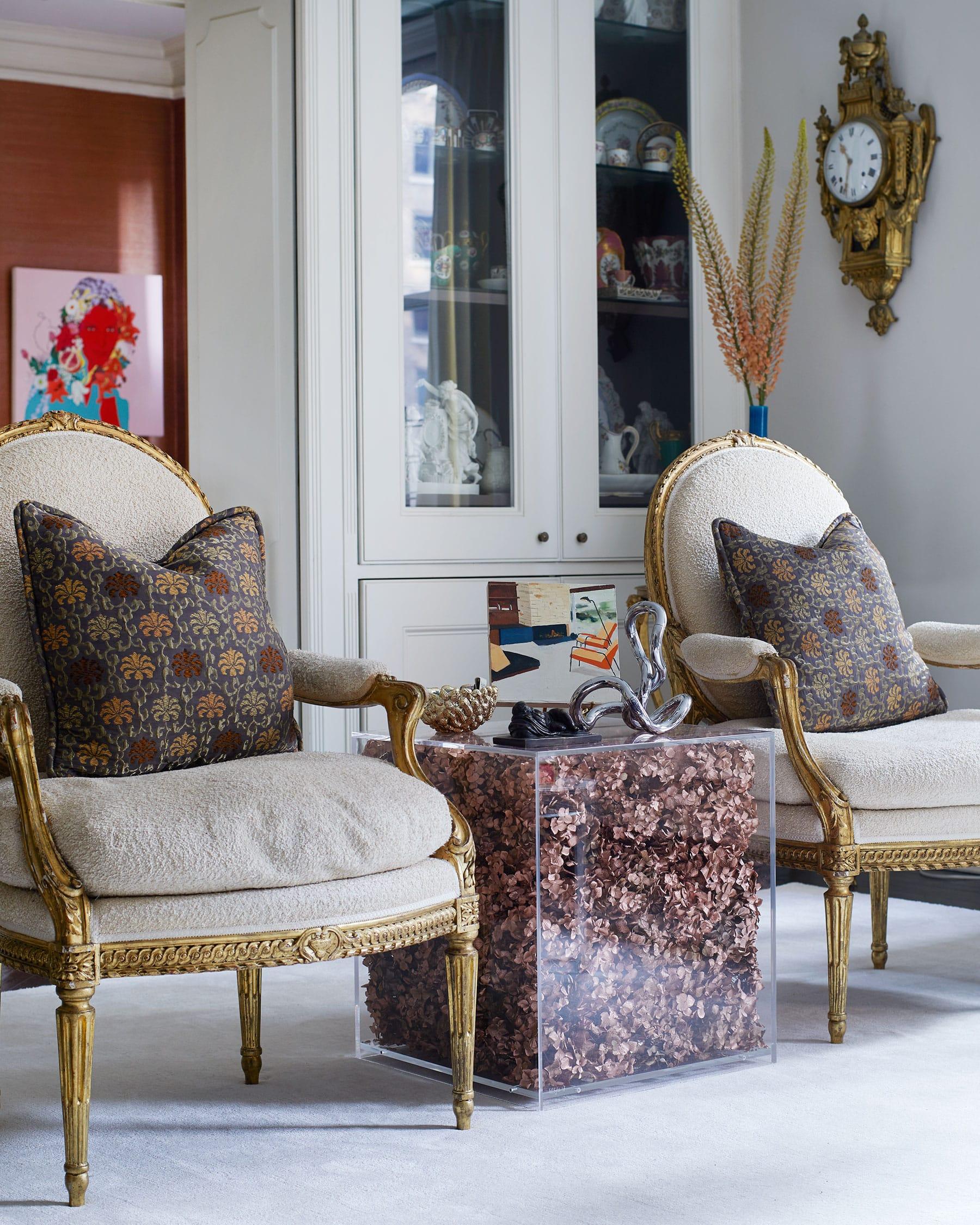 Blair Voltz Clarke and Alistair Clarke New York apartment living room