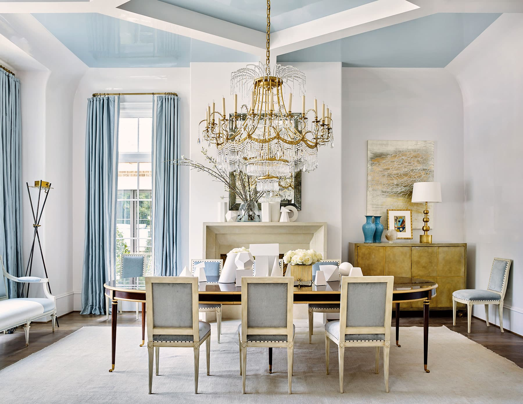 Suzanne Kasler dining room for the Atlanta Homes & Lifestyle showhouse