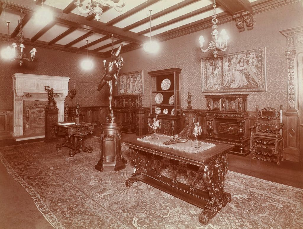 Fifth avenue showroom Duveen Brothers and the Market for Decorative Arts Charlotte Vignon